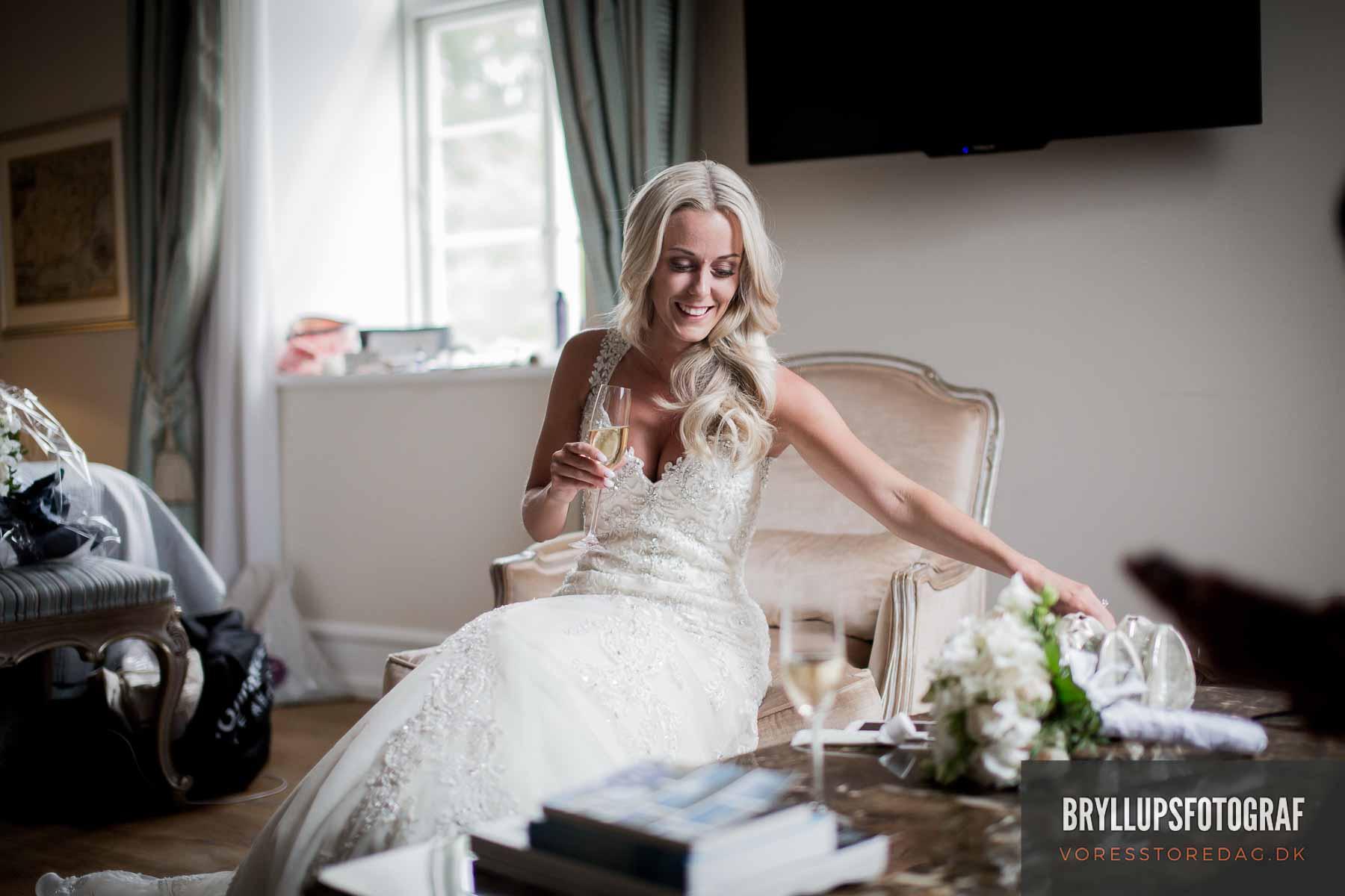 Her har du virkelig med en dygtig bryllupsfotograf Viborg
