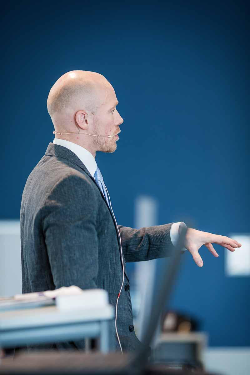 taler Viborg ved konference og housewarming